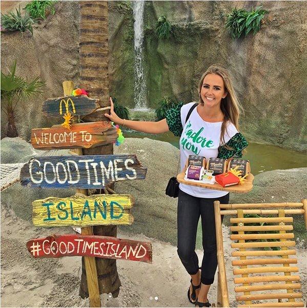 Monique Smit op McDonald's Good Times Island campagne