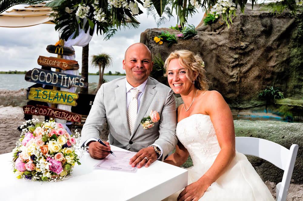 Bruiloft op Good Times Island